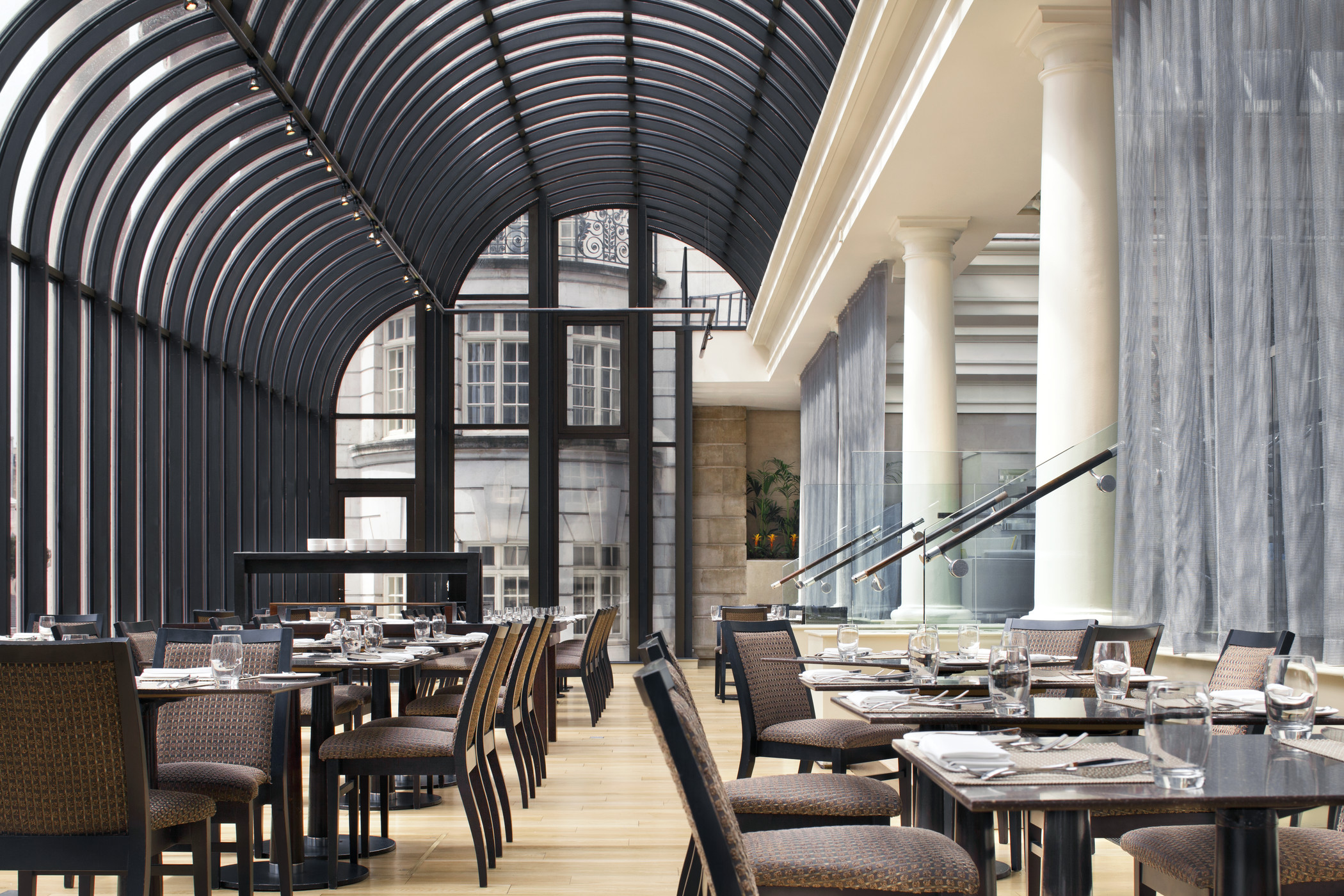 The terrace grill and bar at le m ridien piccadilly for Terrace grill