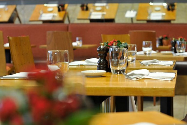 Al duca piccadilly london bookatable for Table 52 parking