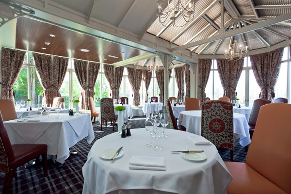 Restaurant at alderley edge hotel cheshire bookatable - Restaurant le verre y table viroflay ...