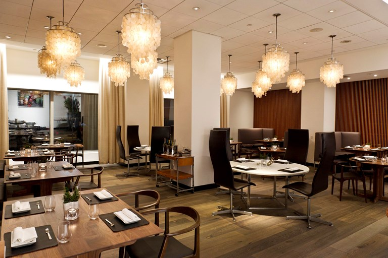 Aquavit restaurant new york nyc bookatable for Aquavit new scandinavian cuisine