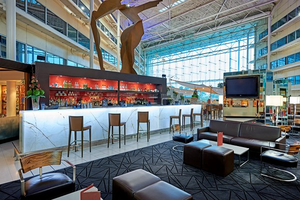 Aromi Restaurant & Dancer's Bar - Hilton Heathrow T4 - Greater London