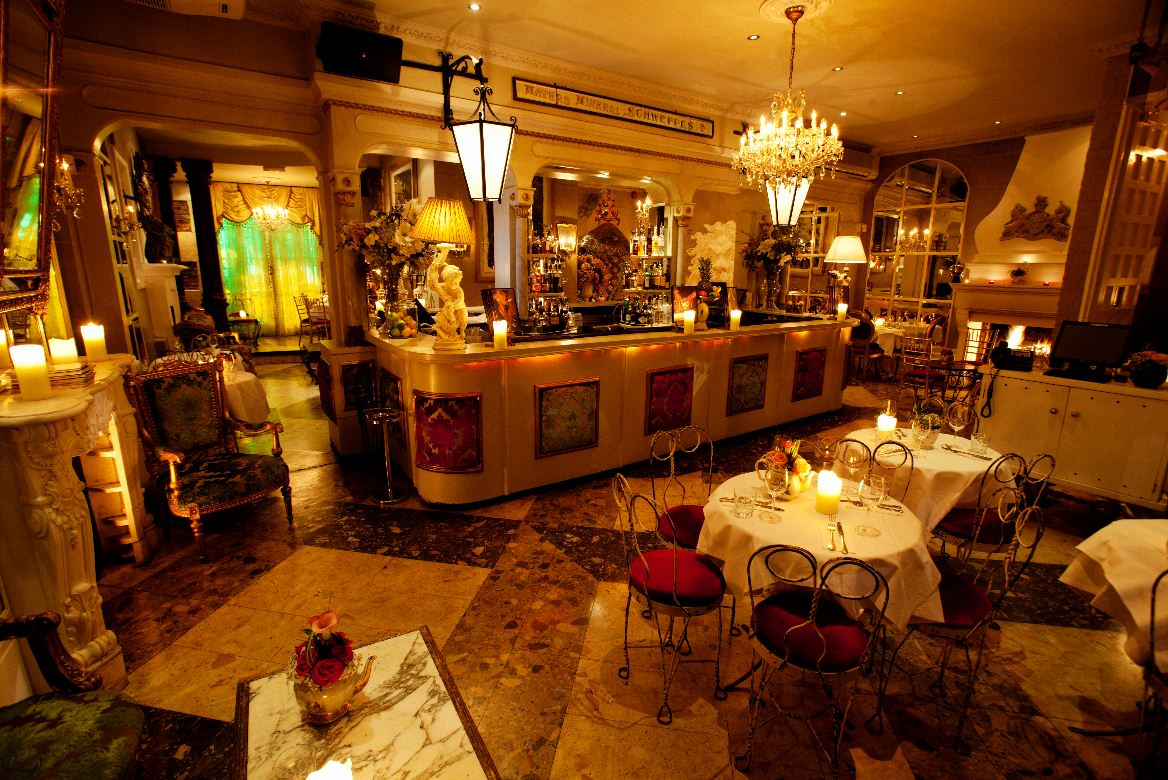 Reserve a table at Beach Blanket Babylon - Notting Hill
