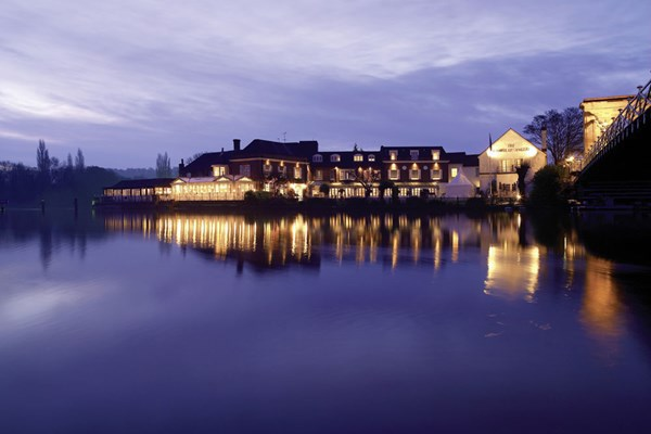 The Riverside Restaurant at Macdonald Compleat Angler - Buckinghamshire