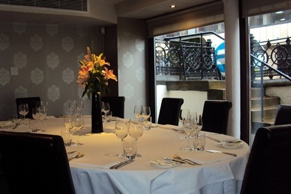 Le Chardon D Or Restaurant Glasgow