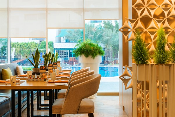 Cafe palmier at Le Royal Meridien Abu Dhabi - Abu Dhabi
