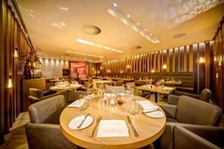 Chambers Restaurant at Apex Temple Court Hotel - London