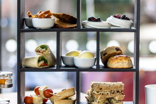 City Café & SkyLounge at DoubleTree by Hilton Leeds - West Yorkshire