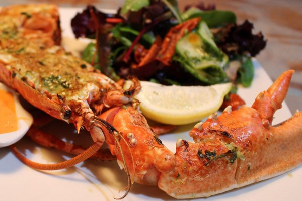 Crab shack on the beach devon bookatable for Two fish crab shack