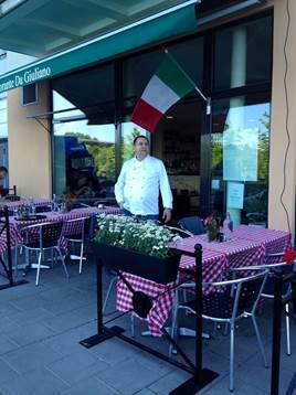 Reserve a table at Da Giuliano