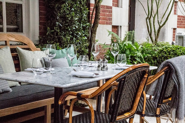 Dalloway terrace the bloomsbury hotel london bookatable for Dalloway terrace hotel