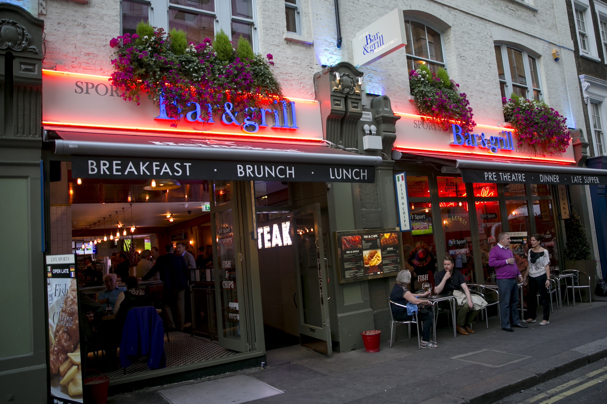 Reserve a table at Sports Bar & Grill - Piccadilly Circus