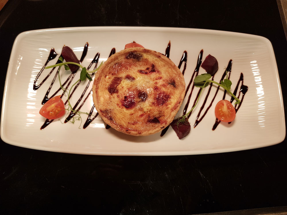 how effective is notting hill as an urban fairy tale 127 ledbury road, notting hill, london, w11 2aq 09 miles accredited with 3 aa rosettes and 2 michelin stars for its exceptional fine dining, the ledbury is an award-winning french restaurant in london's cosmopolitan notting hill district.