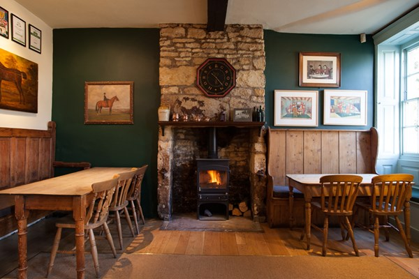 Horse and Groom - Gloucestershire