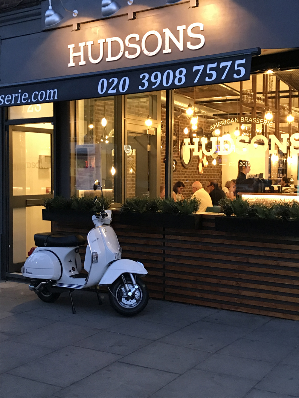 Hudsons Brasserie - Mill Hill - London