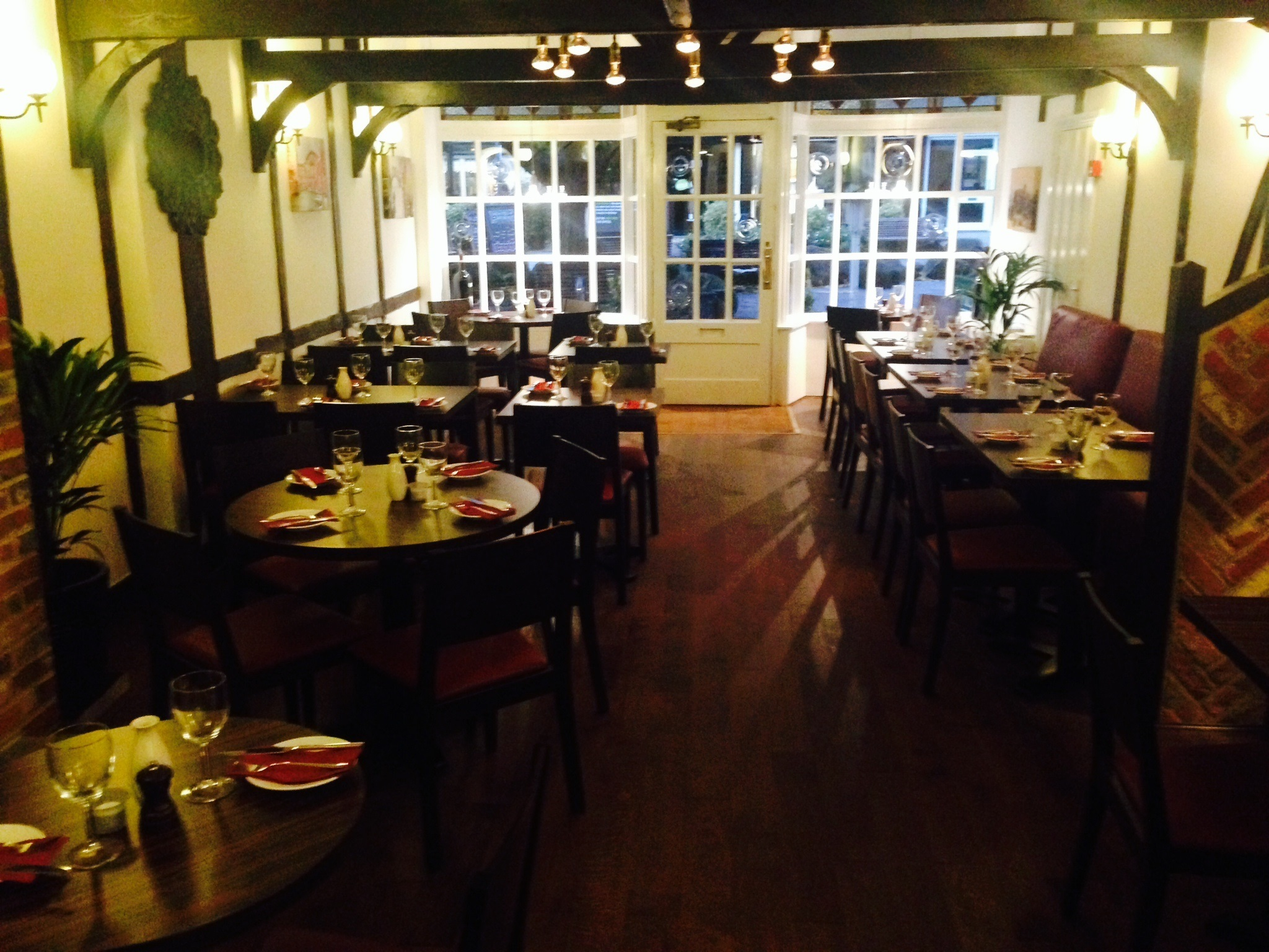 La Piazzetta - Horsham - West Sussex