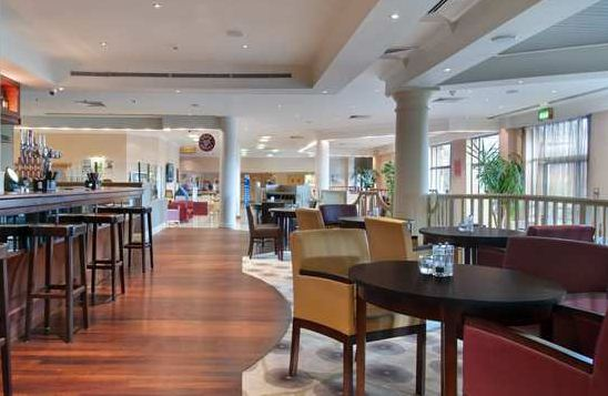 Larder Restaurant & Bar @ Hilton Swindon Hotel - Wiltshire
