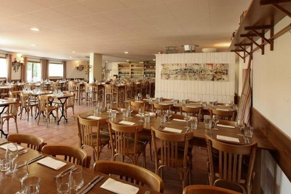 Le nouvel cannes bookatable for Table 22 cannes