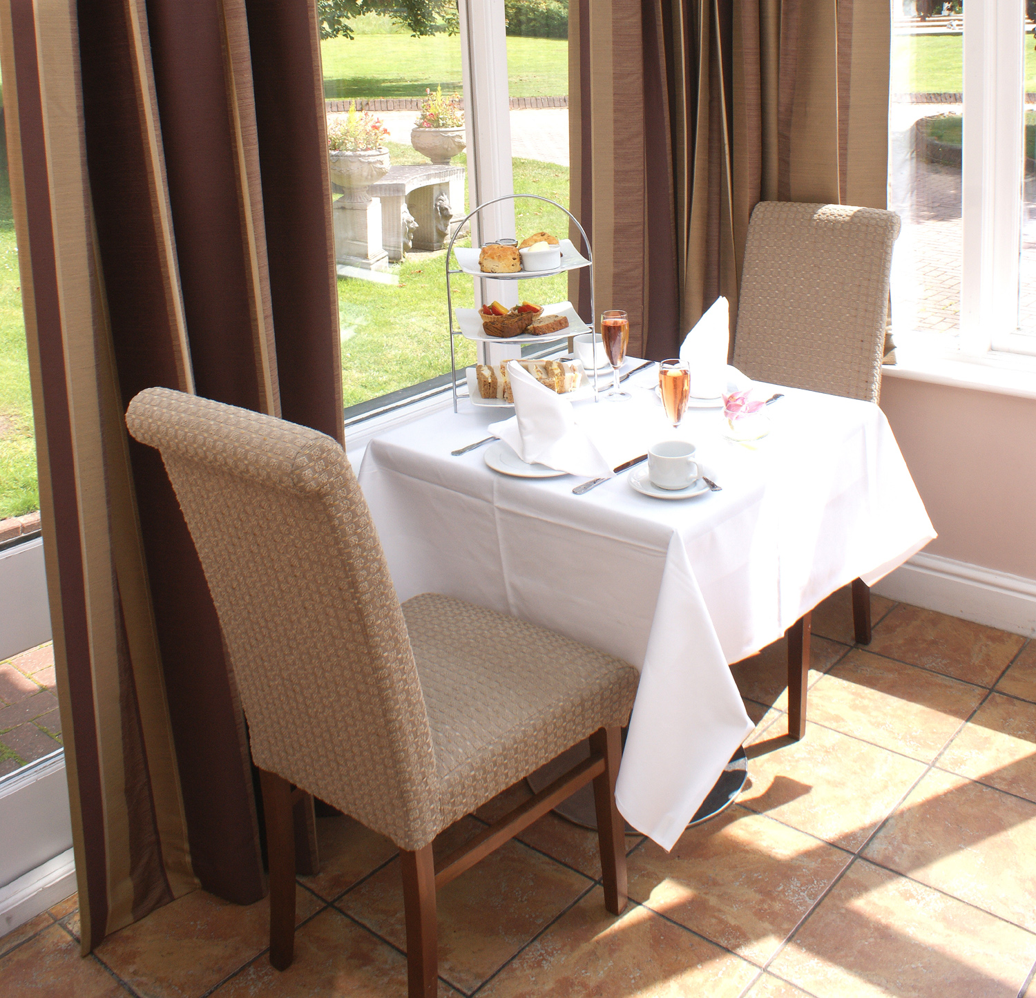 Lytton's Restaurant at Mercure Letchworth Hall Hotel - Hertfordshire