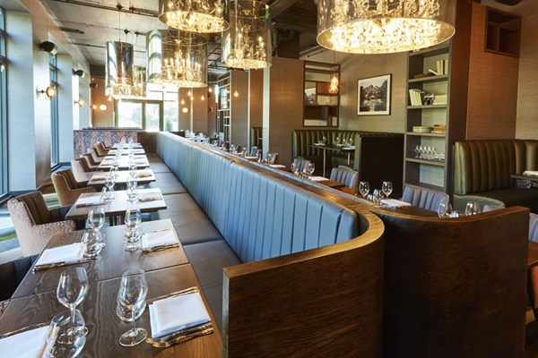 M Bar & Grill - Twickenham - Yttre London