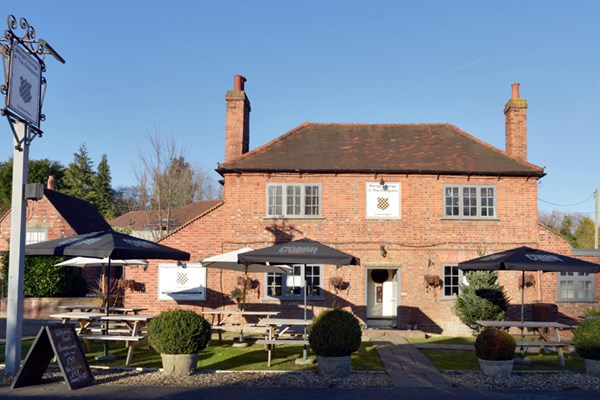 Mango Lounge at The Chequers - Berkshire