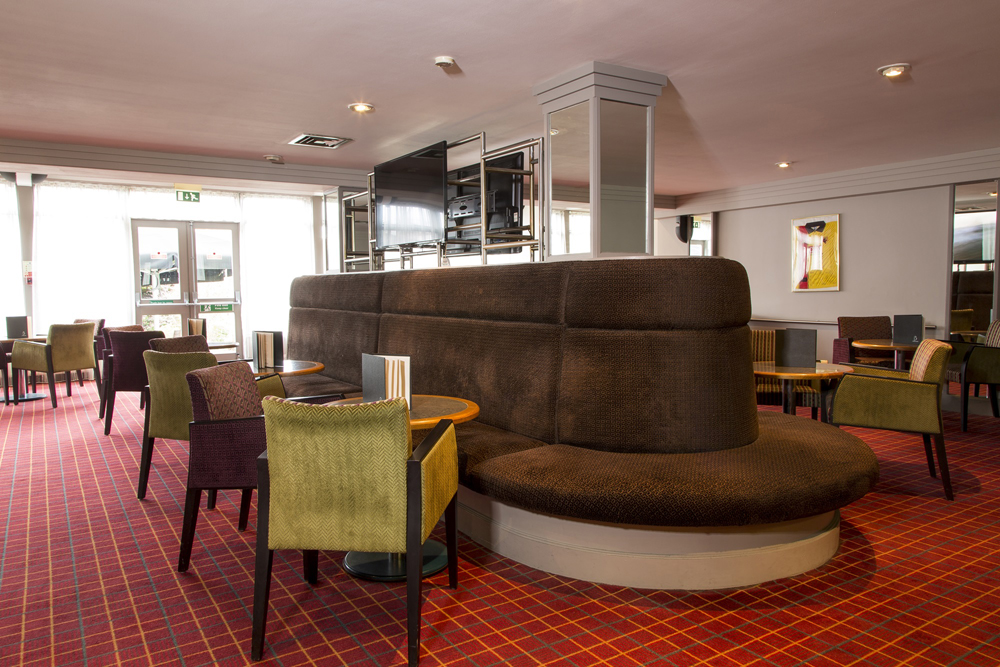The Brasserie - Mercure London Watford Hotel - Hertfordshire