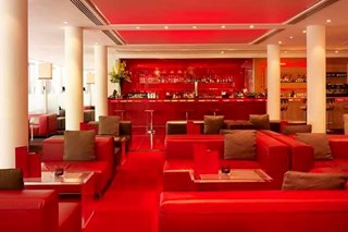 Millbank Lounge at DoubleTree by Hilton Hotel Westminster - London