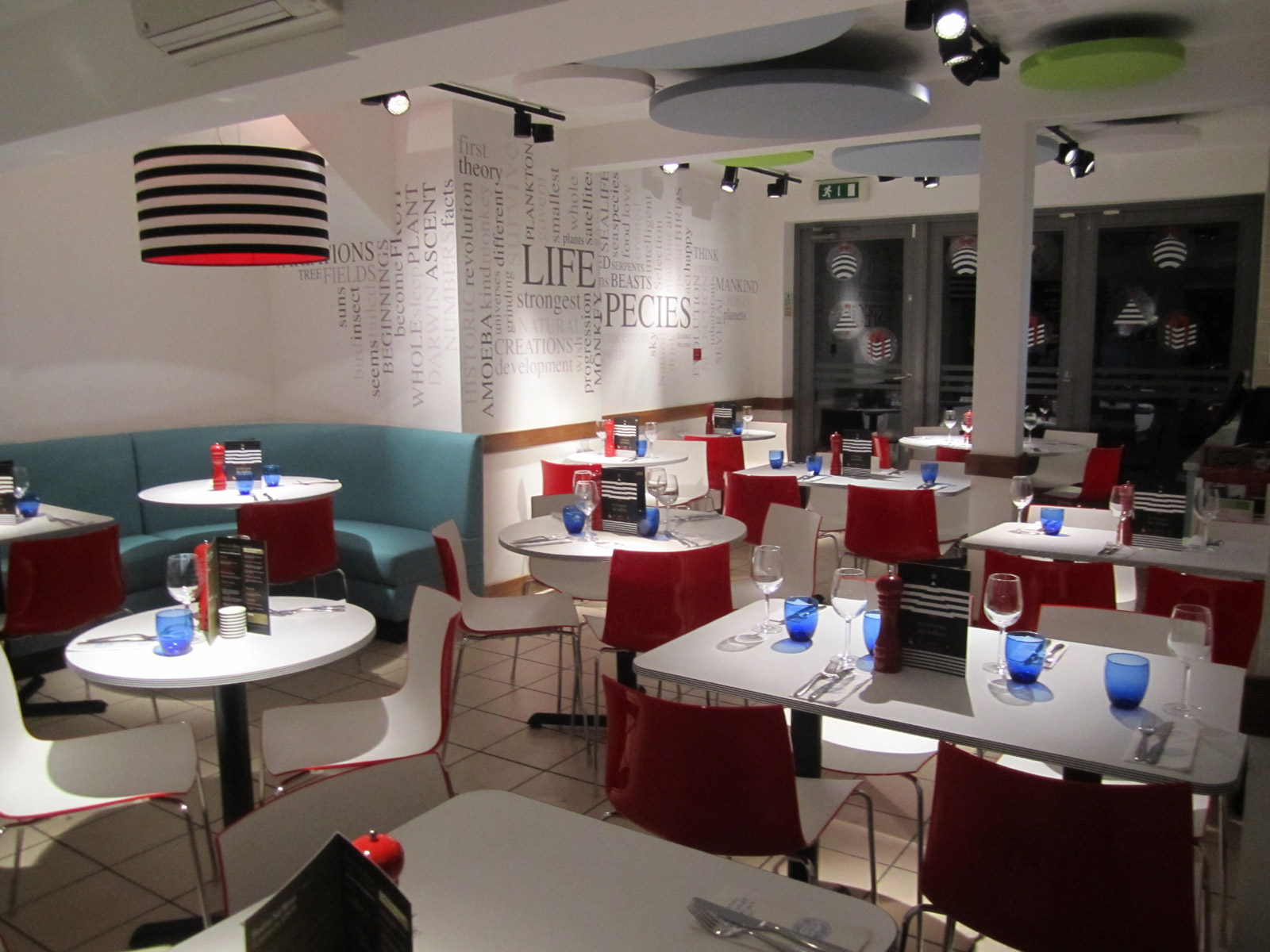 Reserve a table at PizzaExpress Bromley