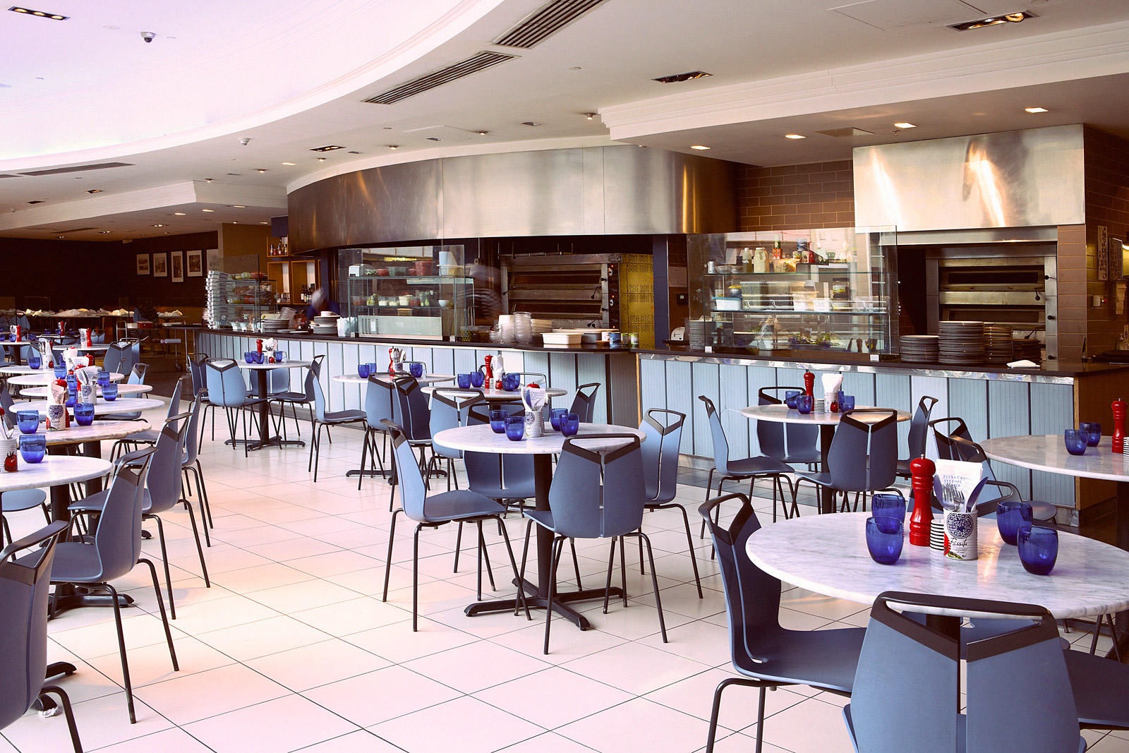 Reserve a table at PizzaExpress Canary Wharf
