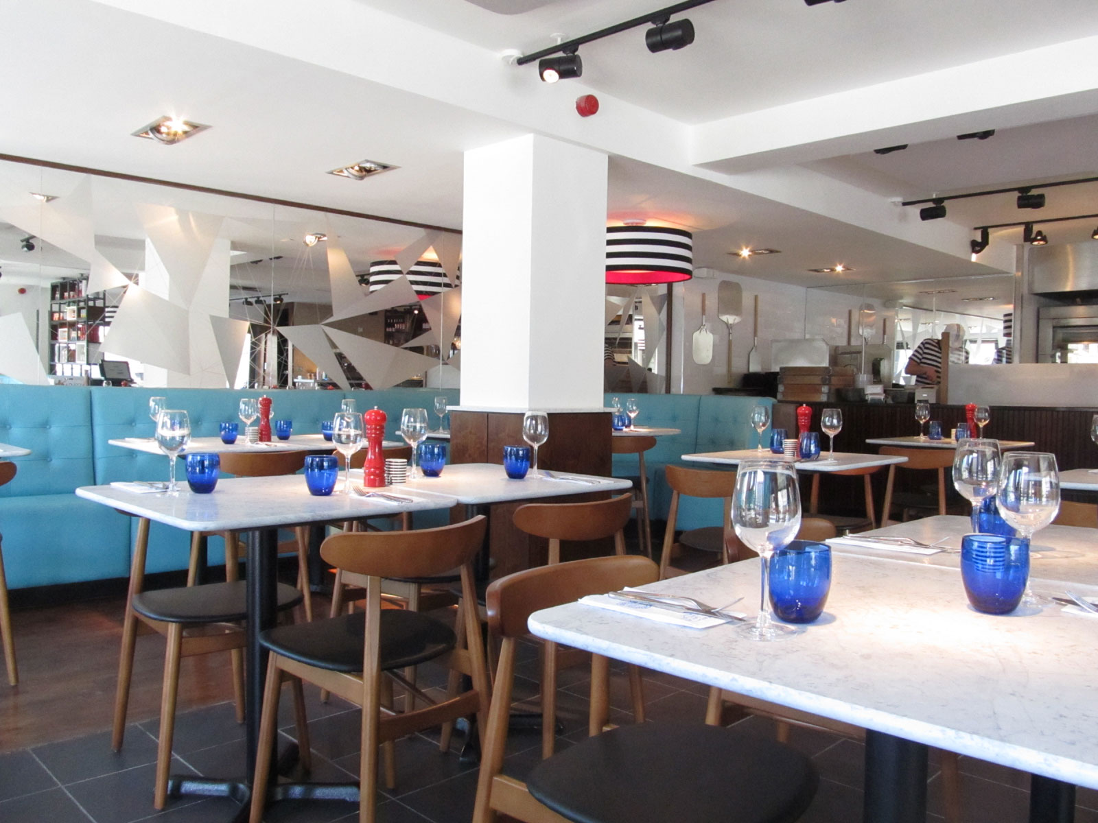 Reserve a table at PizzaExpress Edinburgh Leith