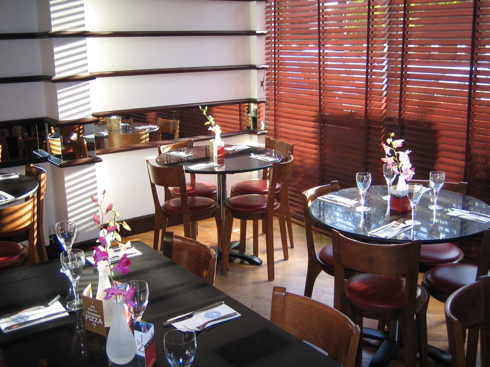 Reserve a table at PizzaExpress Heswall