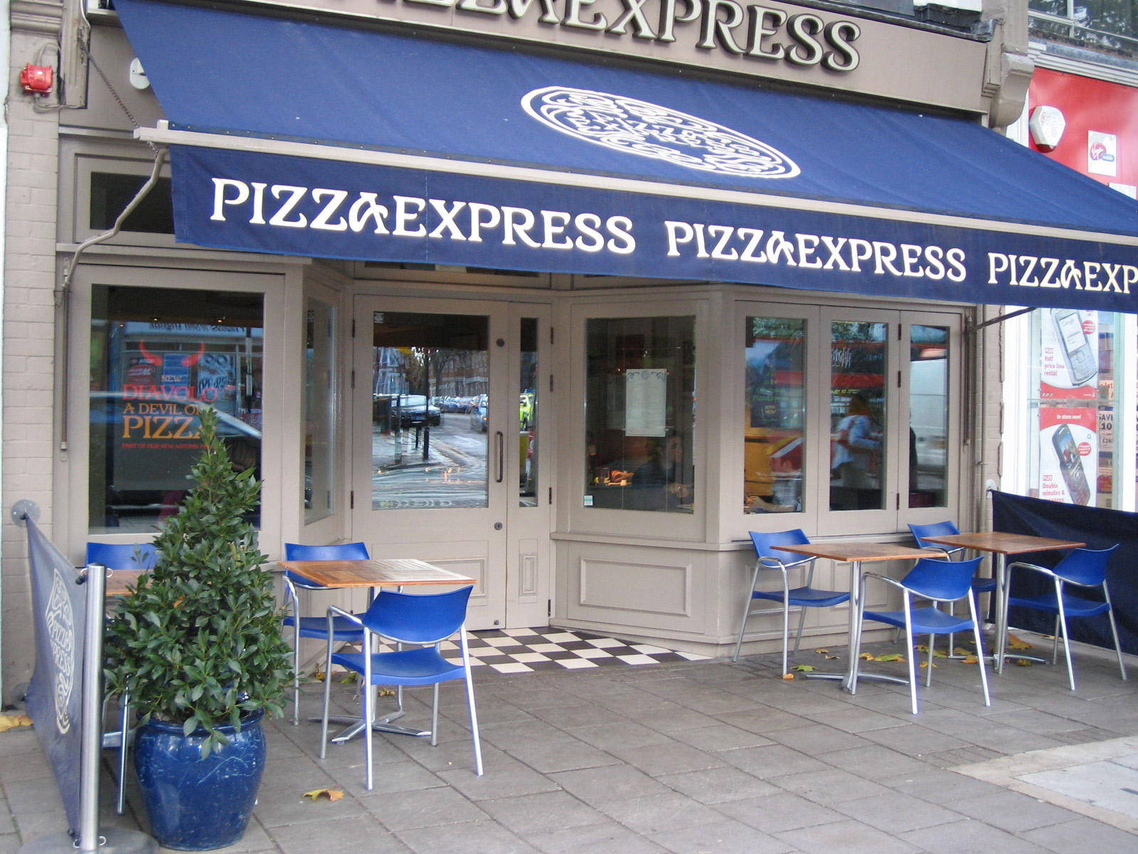 Reserve a table at PizzaExpress Chiswick High Road