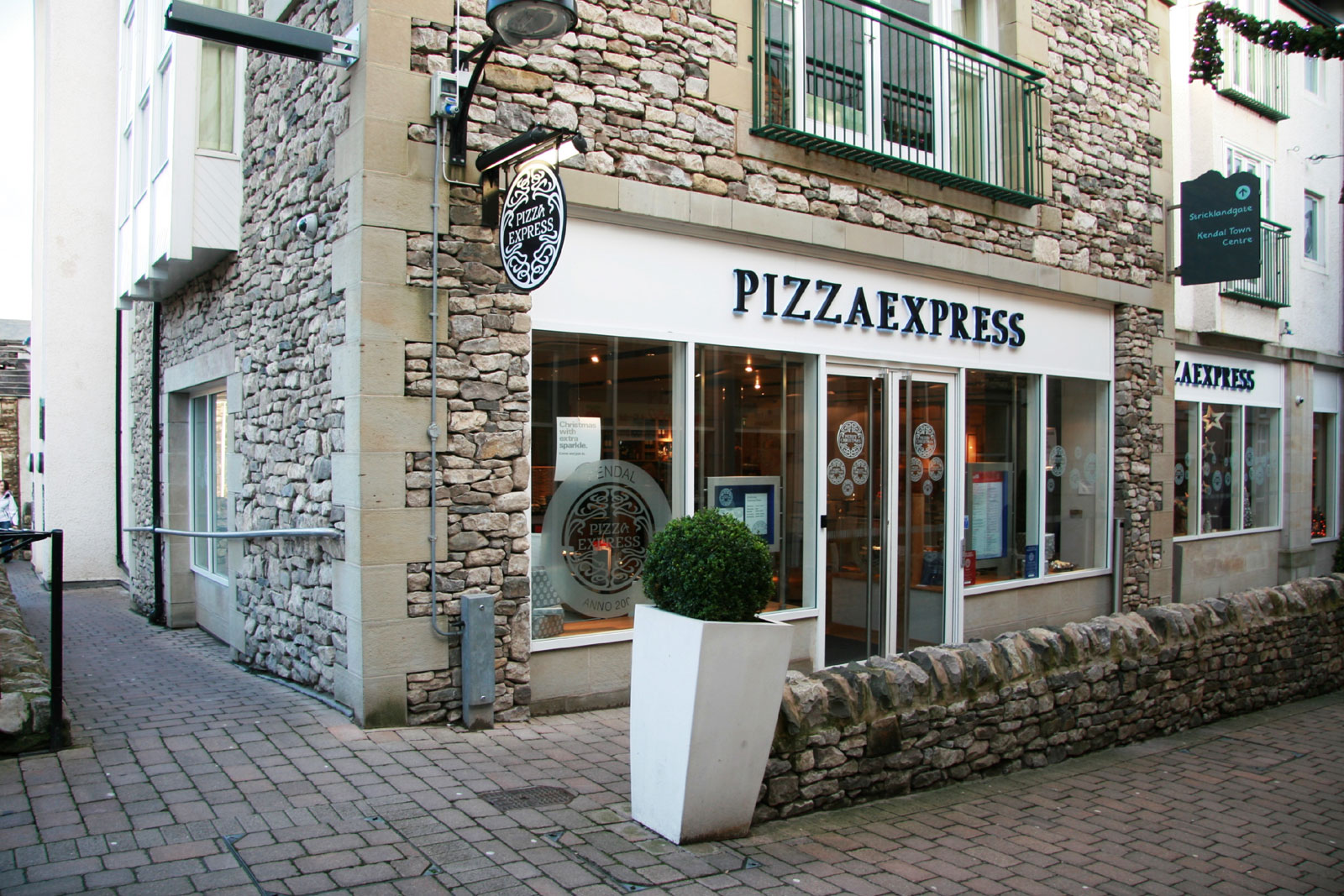 Reserve a table at PizzaExpress Kendal