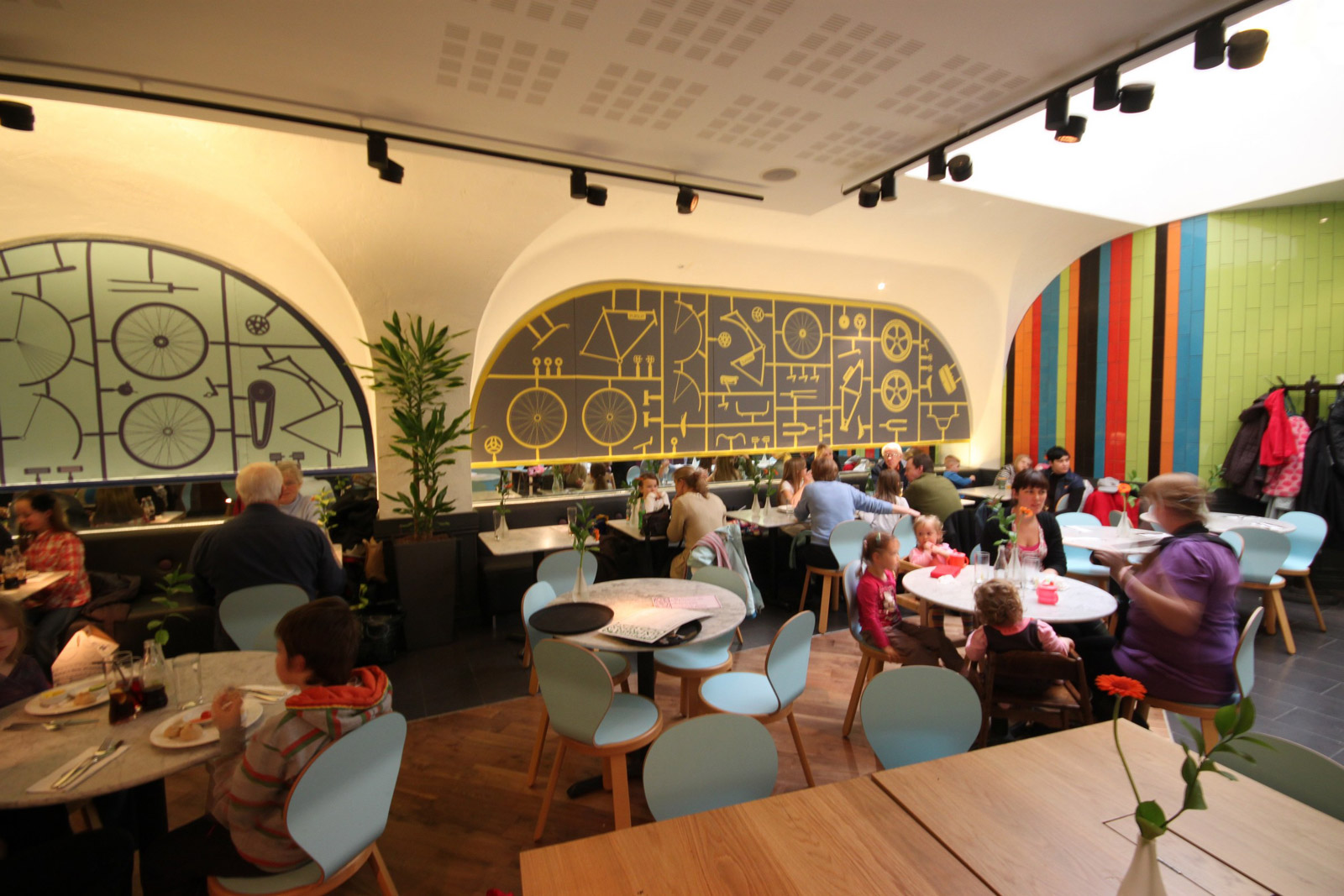Reserve a table at PizzaExpress Nottingham (King Street)