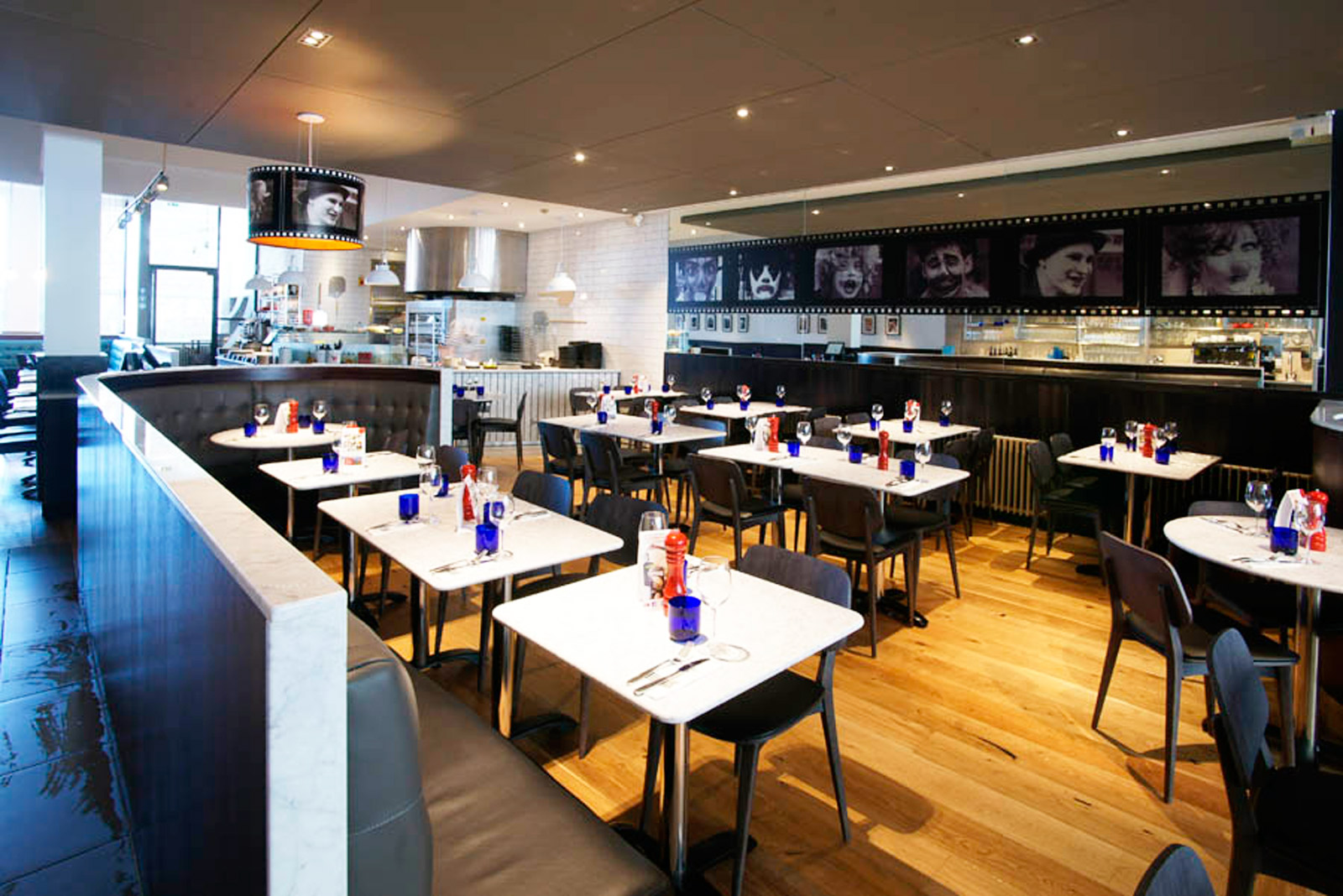 Reserve a table at PizzaExpress Edinburgh (North Bridge)