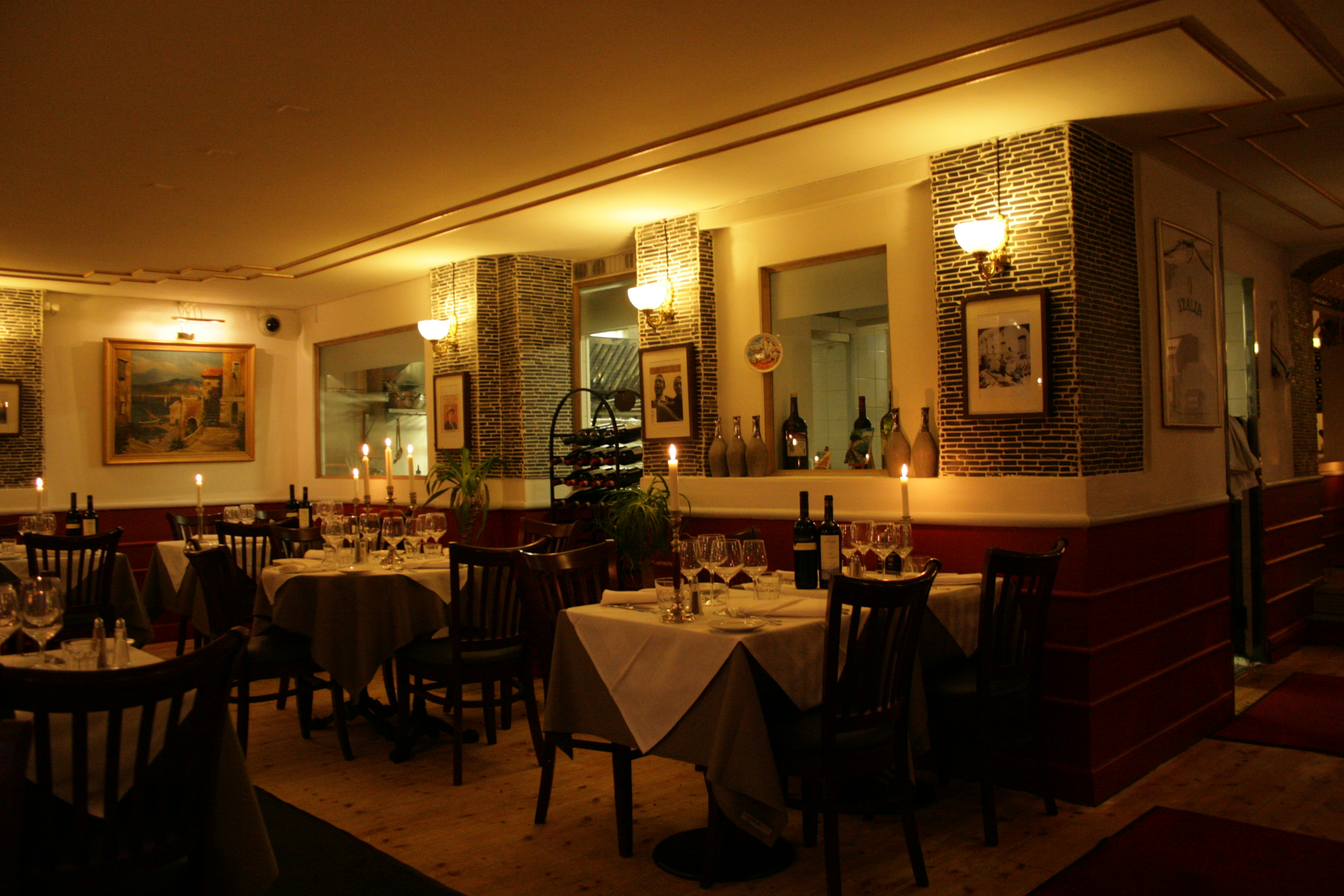 Reserve a table at Ristorante Uno