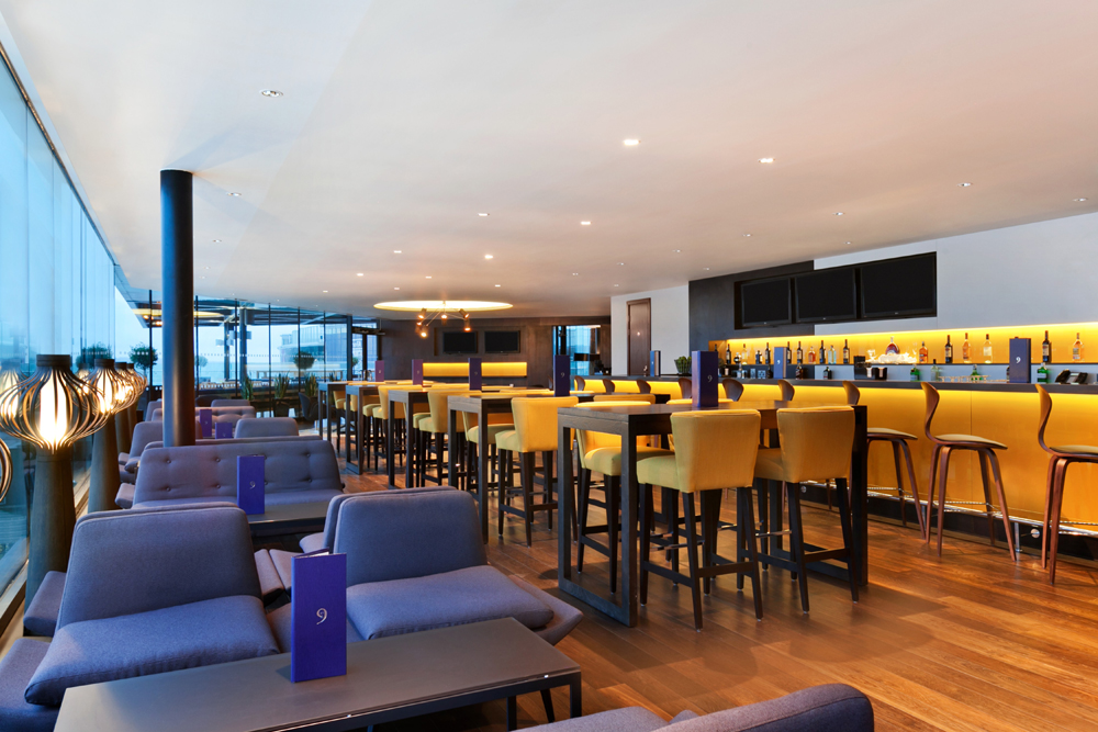 Sky Bar 9 @ Hilton London Wembley - Yttre London