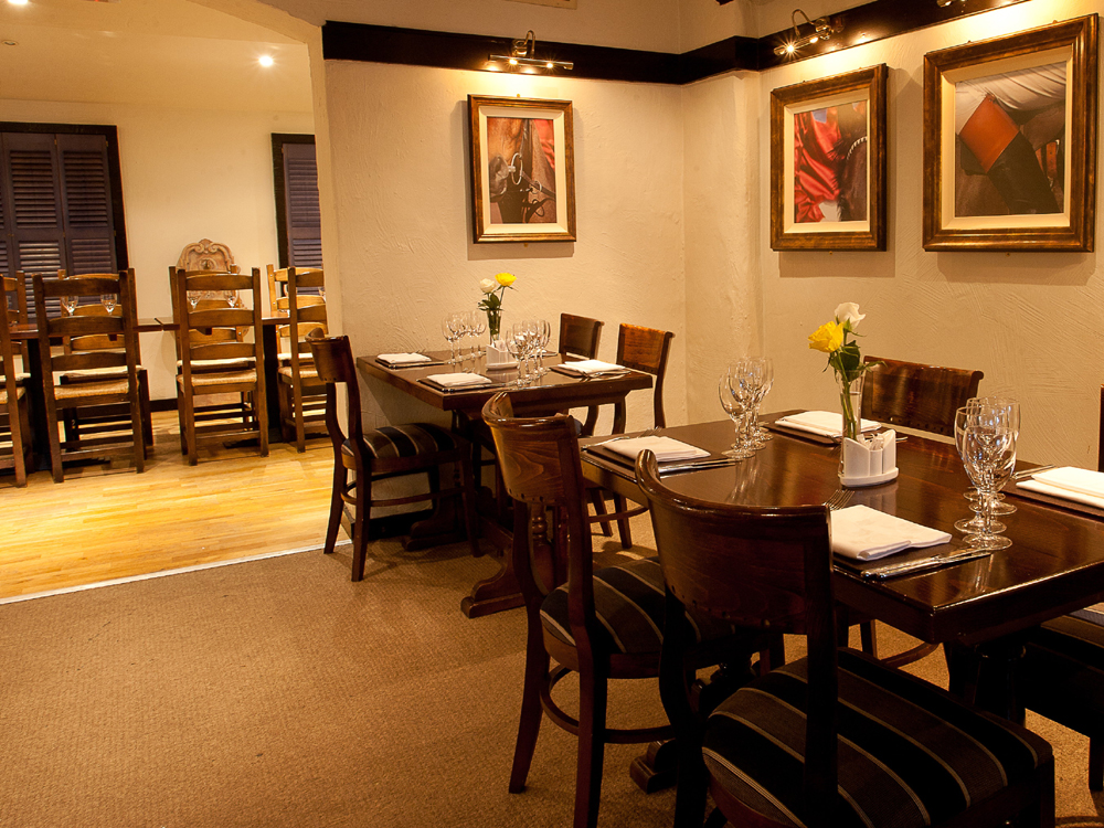 Stirrups Country House Hotel - The Brasserie - Berkshire