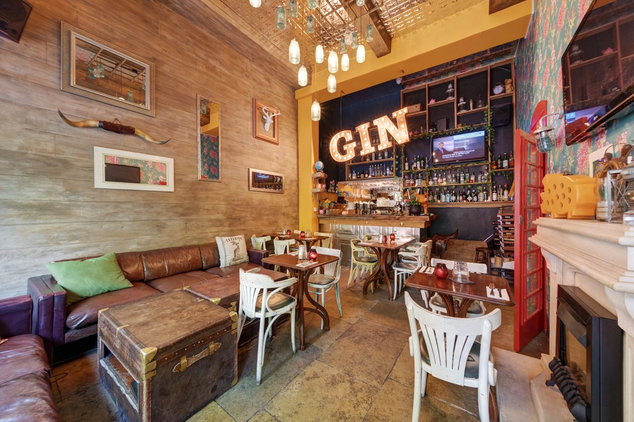 Reserve a table at Streaky Gin