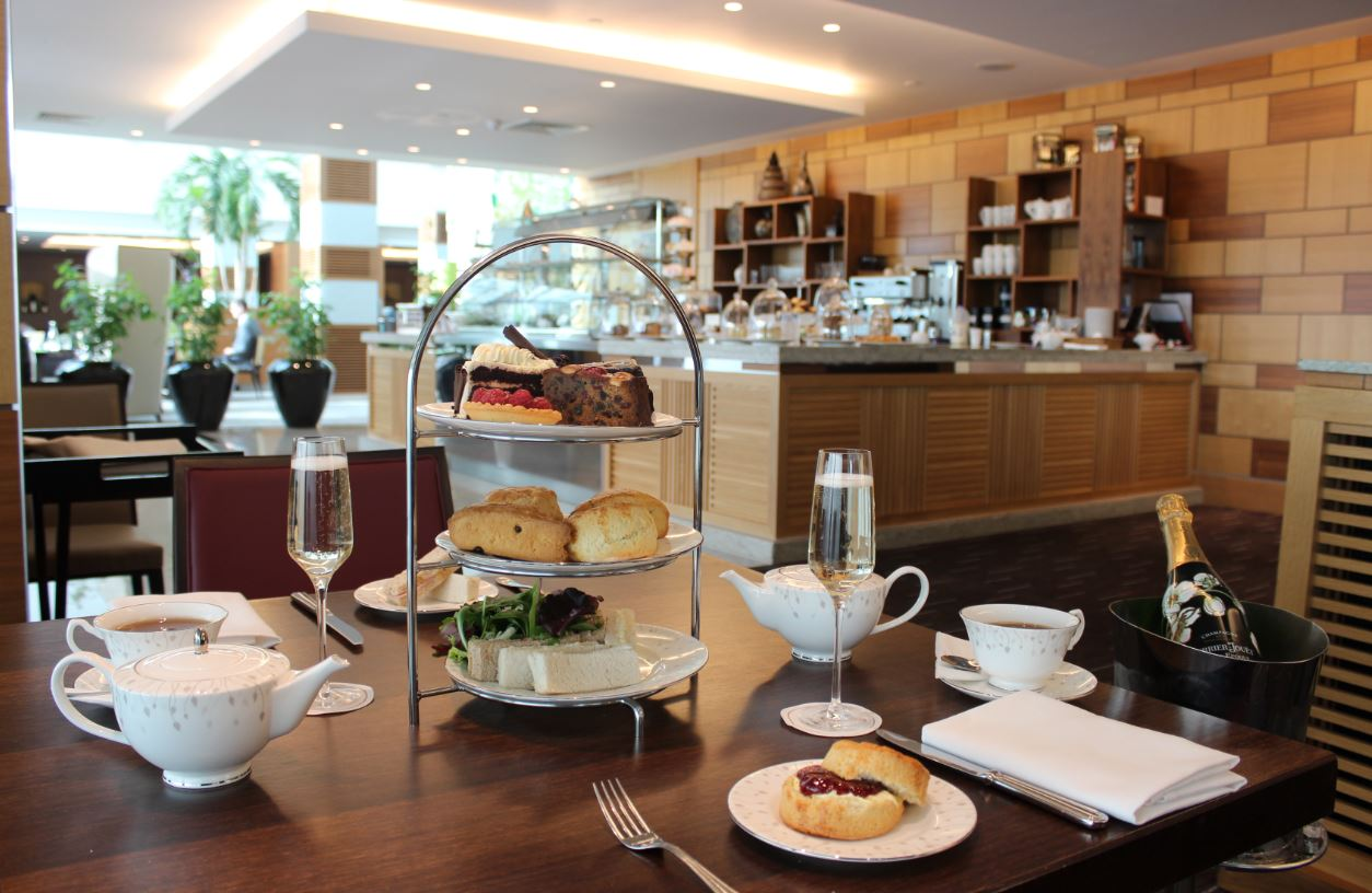 Tea Salon at Sofitel London Heathrow - Yttre London