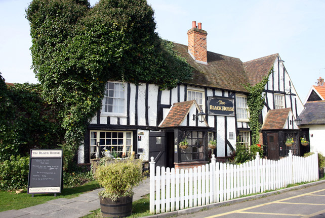 The Black Horse Brentwood Bookatable