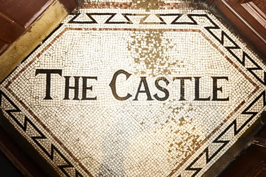The Castle, Harrow - Yttre London