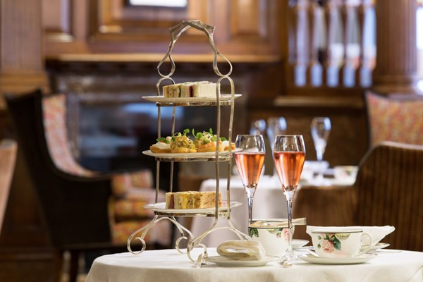 The english tea room at brown 39 s hotel london bookatable for Quartiere mayfair londra