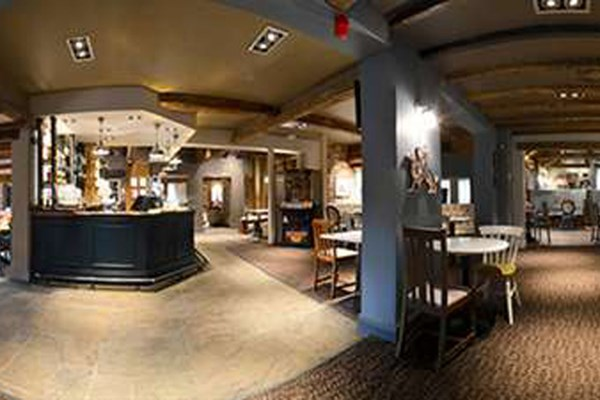 The griffin nuneaton bookatable