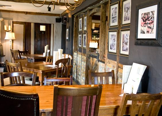 Reserve a table at The King's Head - Billericay