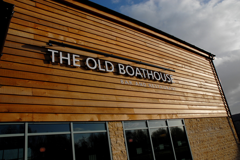 The Old Boathouse at Cotswold Water Park Hotel - Gloucestershire