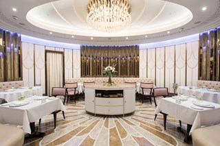 The Oval Restaurant at The Wellesley - London