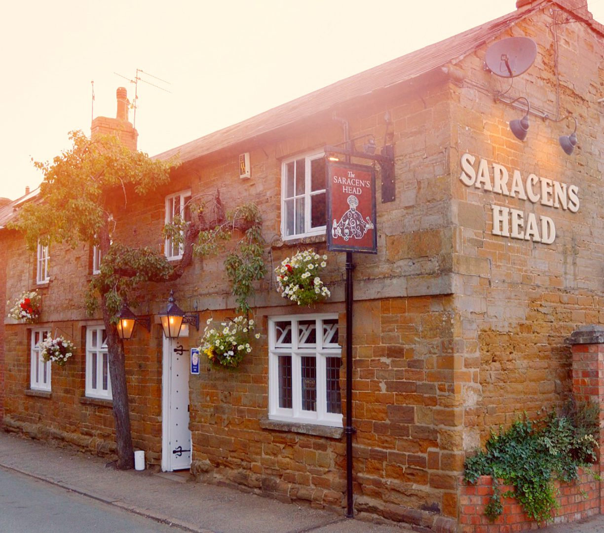 The Saracens Head - Northamptonshire
