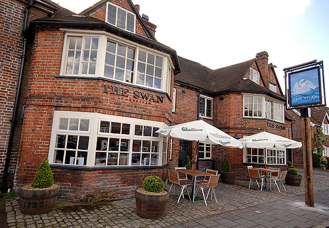 Reserve a table at The Swan Inn - Amersham