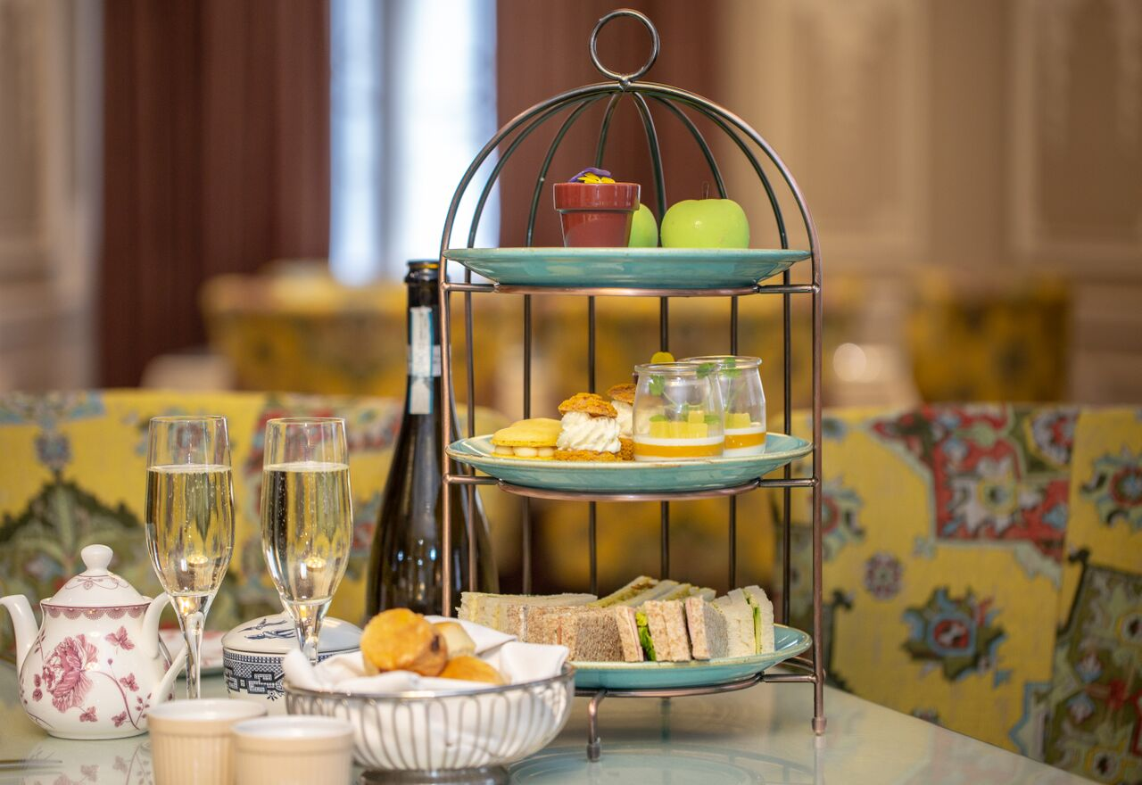 Afternoon tea & free-flowing prosecco £29 per person