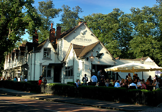 Reserve a table at The White Swan Pub Birmingham